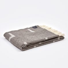 Iota Blanket - Light Brown