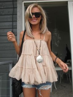 Most popular tags for this image include: girl, fashion, pink, ulrikke lund and cute