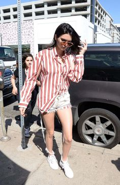 Kendall Jenner Out For Lunch In West Hollywood