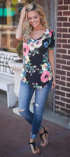 summer outfits  Black Floral Top + Ripped Skinny Jeans