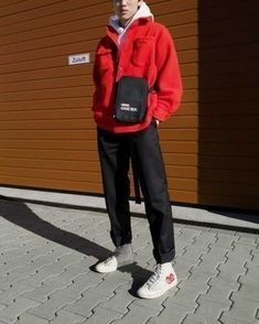 This pairing of a red shirt jacket and black chinos is really a statement-maker. And if you need to easily dial down your outfit with a pair of shoes, why not complement this outfit with white print canvas high top sneakers? Stylish Mens Outfits, Casual Outfits, Fashion Outfits, Trendy Mens Fashion, 80s Fashion, Male Street Fashion, Unique Outfits, Fashion History, Teenager Mode