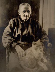 Impressive Old Woman Only Having Her Big Cat Large Antique Cabinet Photo C 1890 | eBay----old cat