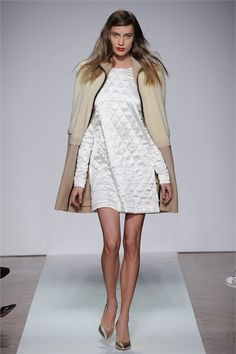 .Normaluisa - Collections Fall Winter 2012-13 - Shows - Vogue.it.  Look 10.