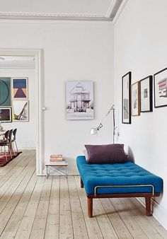 Daily Dream Decor: Classic home in a modern way Tiny Living Rooms, Home And Living, Living Spaces, Estilo Interior, Classic House, Dream Decor, Modern Interior Design, Interior Styling, Interior Inspiration