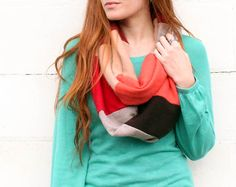 DIY: infinity scarf from old sweaters