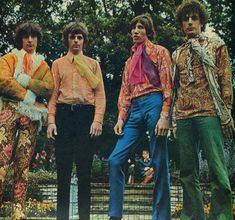 Pink Floyd - 1967 Apr, In Ruskin Park Gardens, London - by Colin Prime David Gilmour, Musica Punk, Singer Songwriter, Richard Wright, Psychedelic Music, Roger Waters, Hippie Man, Star Wars, Cultura Pop