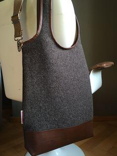 """Stofftasche """"entzückt"""" L in braun melierter Wolle"""