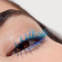 Blue mascara trend trend #beauty #makeup #eyes #trends