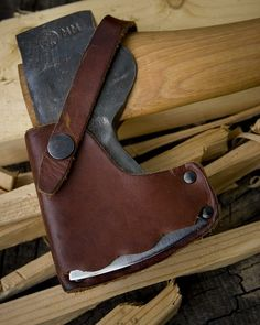 Why historically correct sheaths should be wood or bone, even if it is just for your blunt reenactment axe. (same goes for wooden core in sword scabbards.)