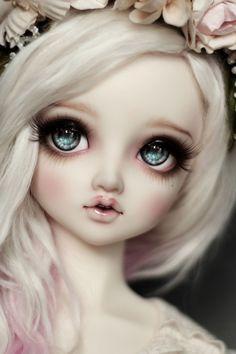 """renhuuka: """" Cláire by v a n ♡ r i """" Anime Dolls, Bjd Dolls, Barbie Dolls, Pretty Dolls, Cute Dolls, Beautiful Dolls, Big Eyes Artist, Dolly Doll, Monster High"""