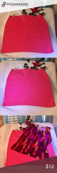 Alfani pencil skirt Cute midi skirt that was worn once. This can be matched with inter or summer colors. Alfani Skirts Midi