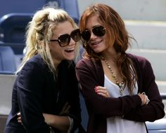 f2c3aa915d Mary Kate  amp  Ashley. Wait... They smile  Olsen Twins Style
