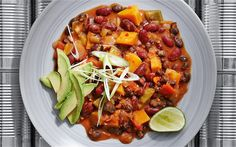 Bean chilli recipe- omit oil and sugar. Use lemon juice instead :) Vegan Chilli Recipe, Vegan Bean Chili, Bean Chilli, Chilli Recipes, Vegetarian Chili, Vegetarian Recipes, Snack Recipes, Cooking Recipes, Healthy Recipes