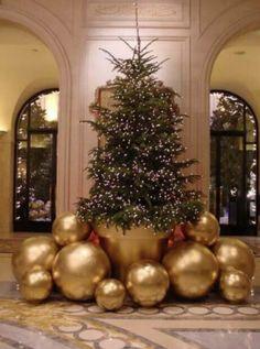 Cristhmas Tree Decorations Ideas : Inside the George V Paris