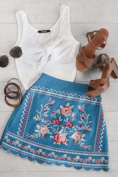 Embroidered Denim Mini Skirt This embroidered skirt is so girley and we can't get enough!This embroidered skirt is so girley and we can't get enough! Mode Outfits, Trendy Outfits, Fashion Outfits, Womens Fashion, Floral Outfits, 2000s Fashion, Skirt Fashion, Fashion Fashion, Fashion Tips