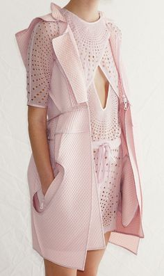 awesome Vera Wang Spring 2012 RTW Preview...