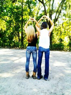 Stock Show Best Friends Classy Photography, Sister Photography, Best Friend Photography, Photography Pics, Country Best Friends, Best Friends Shoot, Best Friend Pictures, Country Girls, Country Women