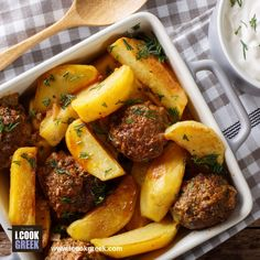 Dill Roasted Potatoes and Baked Meatballs with Yogurt and Dill Sauce Mince Recipes, Cooking Recipes, Cypriot Food, Mince Dishes, Israeli Food, Dill Sauce, Greek Dishes, Food Categories, Roasted Potatoes