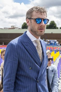 During 2015 Florence plays host to the most famous menswear tradeshow in the world. We head to the street to report on the Trends of Pitti Uomo 88.