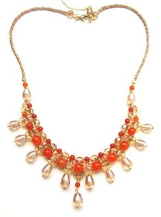 Tuca Stangarlin | XAMÃ da AURORA. Colar folheado a ouro, medindo aproximadamente 44 cm + corrente extensora. Murano indiano, jade e cristal tcheco.