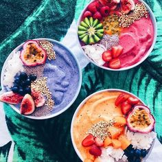 Tropical Acai Bowl Acai bowls have supplanted kale chips as the health food worlds biggest nutritional darling. The post Tropical Acai Bowl appeared first on Star Elite. Comidas Fitness, Tasty, Yummy Food, Food Goals, Aesthetic Food, Smoothie Recipes, Vegan Smoothies, Smoothie Bowls Vegan, Food Inspiration