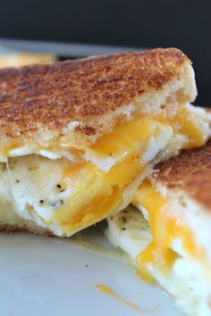Fried Egg Grilled Cheese Sandwich is a delicious breakfast sandwich with fried e., Fried Egg Grilled Cheese Sandwich is a delicious breakfast sandwich with fried eggs, two type of cheese and then grilled to a golden brown. Breakfast Desayunos, How To Make Breakfast, Breakfast Dishes, Breakfast Healthy, Fried Eggs Breakfast, Fried Egg On Toast, Eating Healthy, Breakfast Ideas, Healthy Food