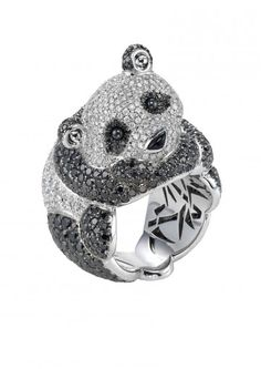 AN ADORABLE DIAMOND PANDA BEAR RING if some one gives me this I will love them forever
