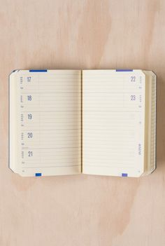 Brepols - Back To Paper 2015 Diary Notebook - Weekly - B7 (9x12cm) - Soft Cover - Black