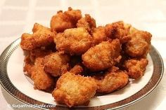 Crispy Fried Chicken Nuggets (4 total carbs for entire recipe) 2-3 chicken breasts, cut into chunks 4-5 eggs, whisked ½ cup grated Parm, tossed into ziploc Immerse chicken chunks in egg mixture, transfer to ziploc (coating them well)