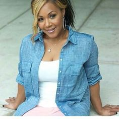 Nice picture of Gospel Singer Erica Campbell. Erica Campbell, Beautiful Black Women, In Hollywood, Pretty People, Kicks, Mary Mary, Girly, Classy, Singer