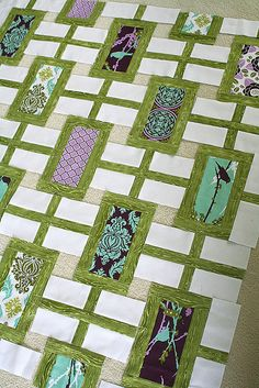Ah Green, my other favorite color. And lovely modern quilt pattern. Reminds me of a Chinese Screen Wall.
