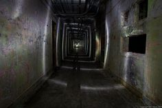 Light painting in a dark hallway of an abandoned building. Dark Hallway, Hallway Lighting, Abandoned Buildings, Light Painting, Photography, Photograph, Fotografie, Foyer Lighting, Fotografia