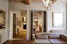 The French are subtle. They exude a sense of sophistication that comes from the rebellious balance of luxury and minimalism that can . Oversized Mirror, Minimalism, Brides, Luxury, Inspiration, Furniture, Home Decor, Biblical Inspiration, Decoration Home