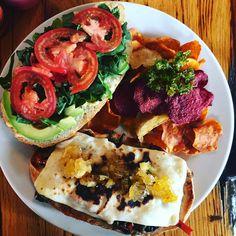 El otro día que fui a comer con @zazilabraham fuimos a este delicioso lugar @forevervegano  mega rico este Sándwich de Portonlelo  hoy ando con ganas de otro jaja . #chockolatpimienta #foodblog #dondecomer #mexico #df #yummy #food #cocina #foodphotography #delicius #recomendaciones #restaurantes