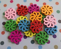 15 x 2-Hole Painted Wooden Buttons - 18mm - Flower - Mixed Colour