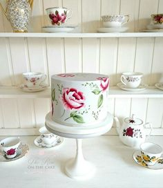 Hand painted cake designer for weddings and celebrations in Dorset, somerset and Hampshire