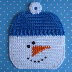 Jessica Crochet : Snowman Potholder pattern by Doni Speigle Crochet Kitchen, Crochet Home, Crochet Crafts, Free Crochet, Knit Crochet, Easy Crochet, Ravelry Crochet, Crochet Geek, Crochet Potholder Patterns