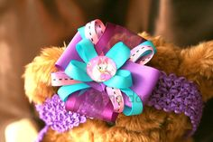 Hey, I found this really awesome Etsy listing at http://www.etsy.com/listing/157610106/daisy-duck-bow-clipped-on-crochet