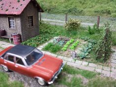 5 Model Railroad Accessories You Must Have To Add Realism To Your Layout N Scale Trains, Ho Trains, Model Trains, Train Info, Escala Ho, Garden Railroad, Model Train Layouts, Miniture Things, Cool Diy Projects