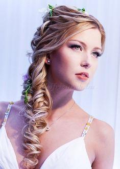 fonott+menyasszonyi+frizurák,+fonott+esküvői+frizura+-+fonott+menyasszonyi+frizura