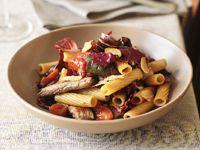 Pasta with sautéed beef, garlic, rosemary and balsamic vinegar recipe - 9Kitchen