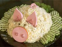 Салат «Свинка» - фото Salad Recipes, Dessert Recipes, Desserts, Open Buffet, Year Of The Pig, Food Decoration, Food Design, Christmas And New Year, Food Art