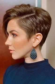 Short Hair Cuts For Women, Short Hairstyles For Women, Cool Hairstyles, Girls Short Hair Styles, Short Hair Designs, Short Hair Trends, Beach Hairstyles, Ponytail Hairstyles, Hairstyle Ideas