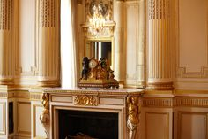 12, place Vendôme: the #Chaumet grand salon, decorated by the famous architect Bélanger for the Minister of the Navy of King Louis XVI in 1777. Frédéric Chopin composed his last mazurka and spent there the last months of his life. #Vendome