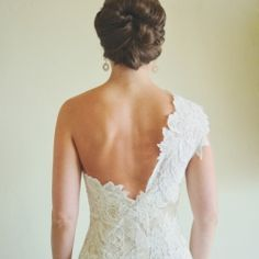 A gorgeous couple, a beautiful venue, a swoon-worthy gown and the prettiest images from Rebekah Westover Photography!
