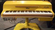 piano musical http://adjustablepianobench.net