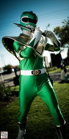 Green Ranger - Power Rangers cosplay photographed by Paul Hillier Power Rangers 1995, Power Rangers Cosplay, Go Go Power Rangers, Green Power Ranger, Power Ranger Party, Jason David Frank, Tommy Oliver, Power Rengers, Best Cosplay Ever