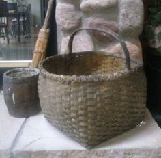 Large basket with notched handles and pale mustard paint. Old Baskets, Vintage Baskets, Large Baskets, Wicker Baskets, Primitive Antiques, Primitive Decor, Painted Baskets, Antique Decor, Pottery Painting