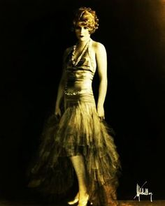 #flapper#hey#vintage#antique #amazing #cute#amor #amazing #old#vintage #like#please#followme #follow #great#woman#girl#chanel #chick #1920s#ilovemyfollowers #brasil#brazil#goodnight #boanoite#time#sepia#pic#shoot