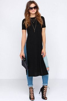 Your skinny jeans and booties will be thrilled to pal around with the Lovin' the Crew Neck Black Maxi Top! Stretchy ribbed knit constructs a crew neck bodice with short sleeves. Casual Outfits, Fashion Outfits, Womens Fashion, Maxi Shirts, Mode Jeans, Fashion Corner, Black Maxi, Look Chic, Boho